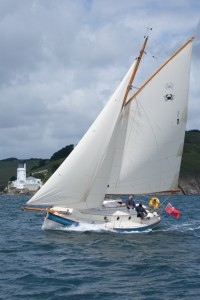 Crabber 26 sailing with full sails