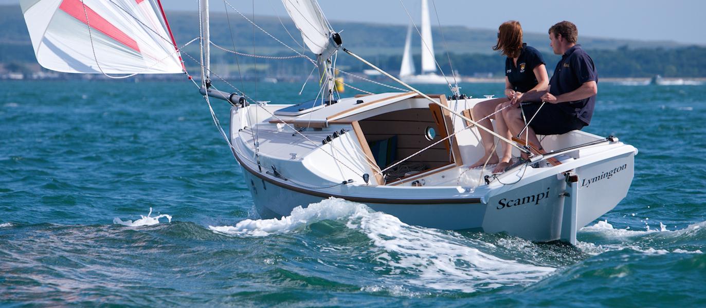 adventure19-sailing-spinnaker
