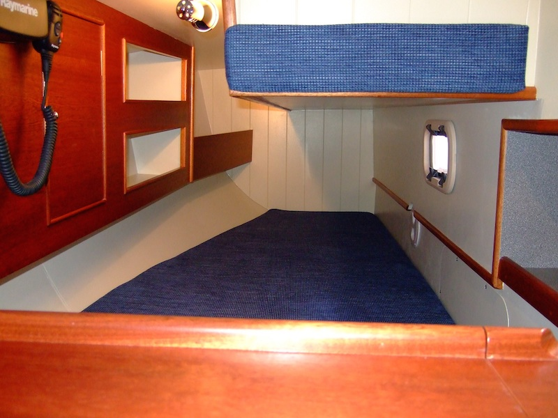 mystery35-interior-bunk