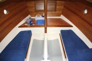 Shrimper 19 interior classic layout